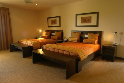 Amanzingwe Lodge Conference Centre & Spa