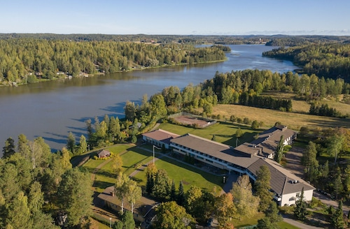 Hopeaniemi Resort