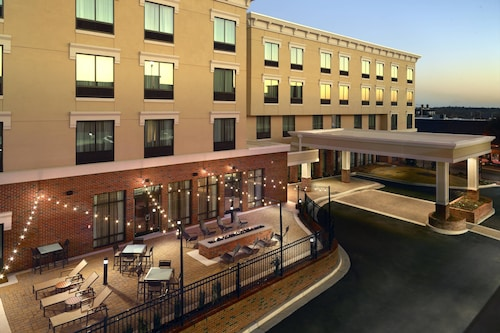Courtyard by Marriott LaGrange