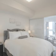 Noel Suites - York and Simcoe
