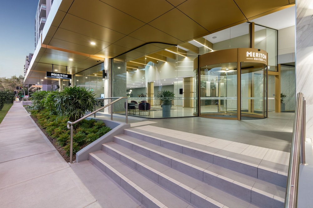 Property Entrance, Meriton Suites Coward Street, Mascot