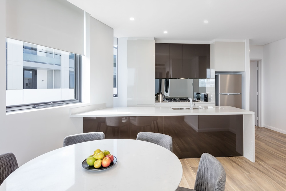 Private Kitchen, Meriton Suites Coward Street, Mascot