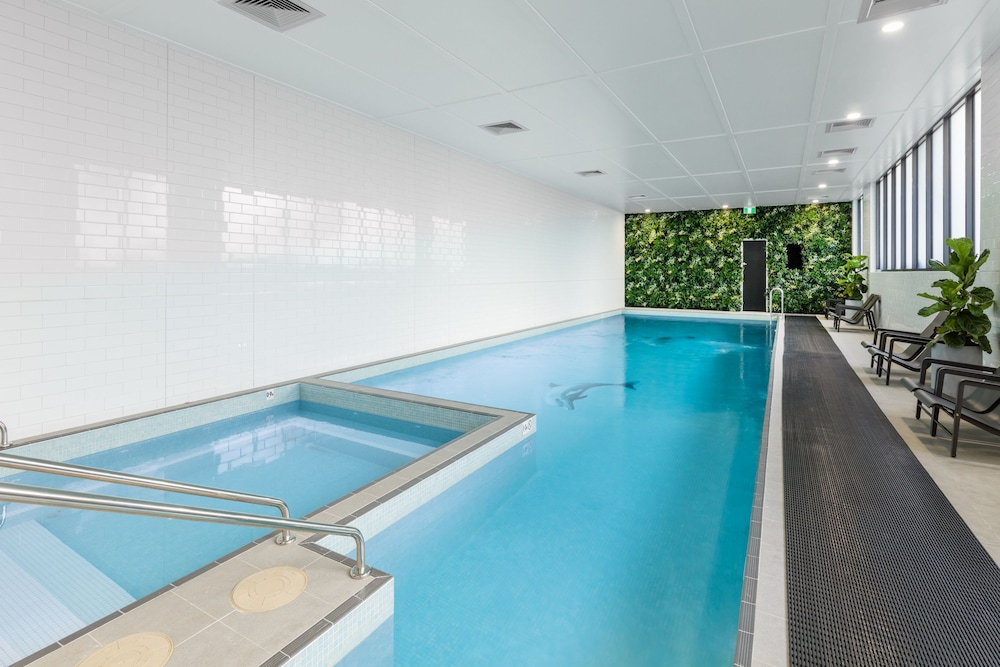 Indoor Pool, Meriton Suites Coward Street, Mascot
