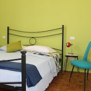 P.14 - Turin Room Rental