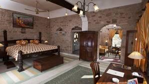 Premium bedding, desk, soundproofing, free rollaway beds