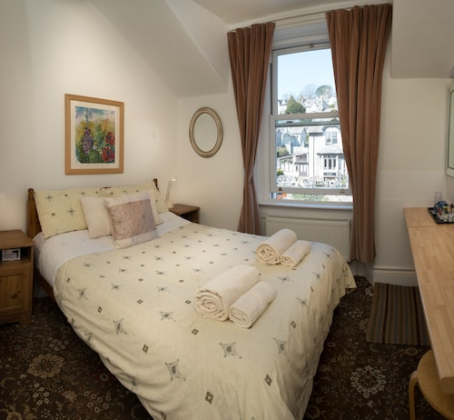 Top 10 Accommodation Near Yewbarrow House Gardens from NZ$130 | Wotif