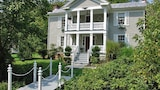 Frog Hollow Bed and Breakfast - Lexington Hotels