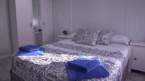 Free cots/infant beds, WiFi, linens