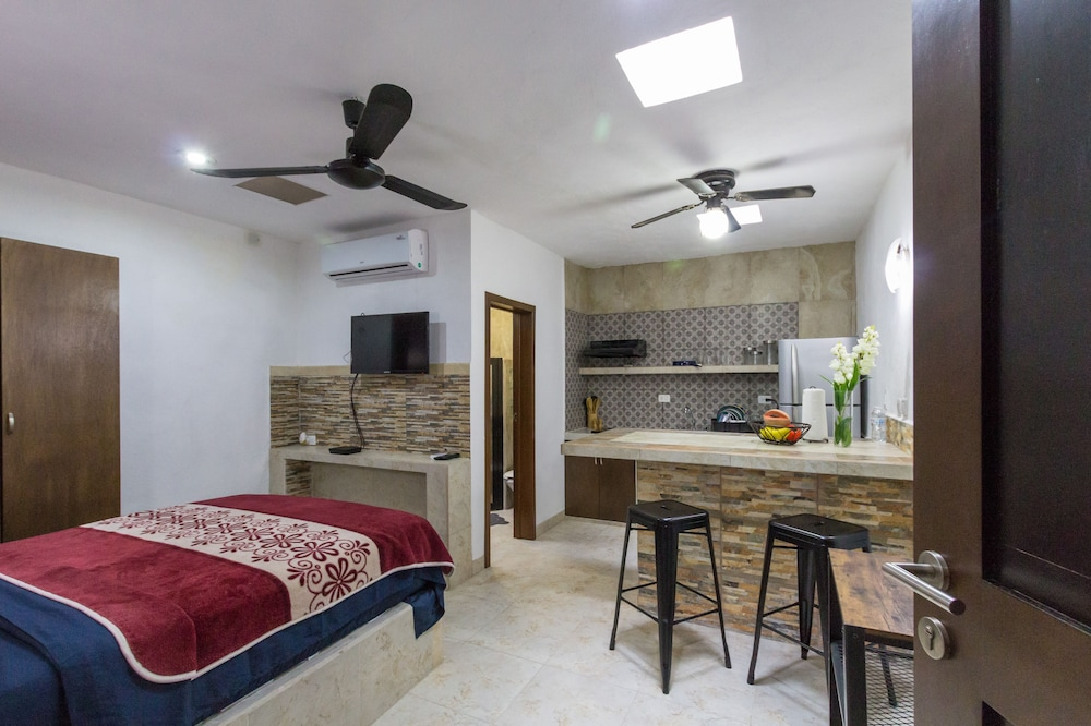 Private Kitchenette, Merida Serviced Apartments
