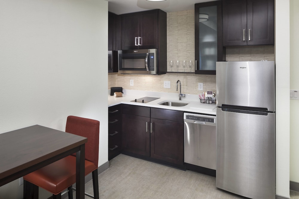 Private Kitchen, Residence Inn by Marriott Near Universal Orlando™