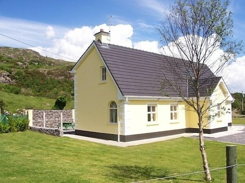Ti Aine : Beautiful Holiday Home In The Heart Of Wonderful Connemara