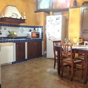 House 1.1 km From the Center of Menfi With Internet, Parking, Terrace, Garden