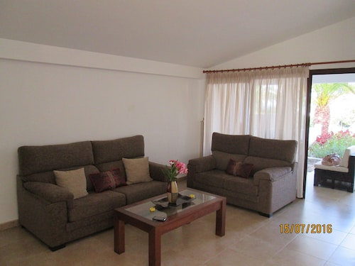 Apartment Palmera, Wonderful, Quiet and Very Close to the Beach