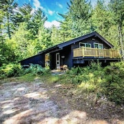 Chalet in the Woods at Base of Cathedral Ledge/echo Lake. Just 1+ Mile to Town