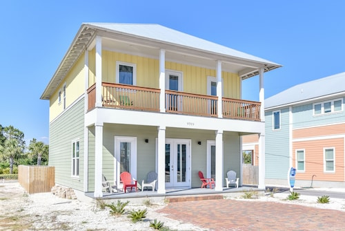 Great Place to stay One Step Closer! Beach Vacation Home With Private Heated Pool, Sleeps 16 Guests near Panama City Beach