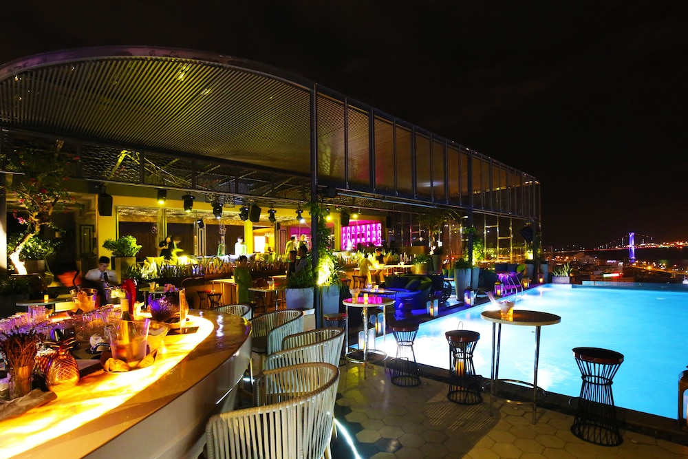 Nightclub, New Orient Hotel Danang