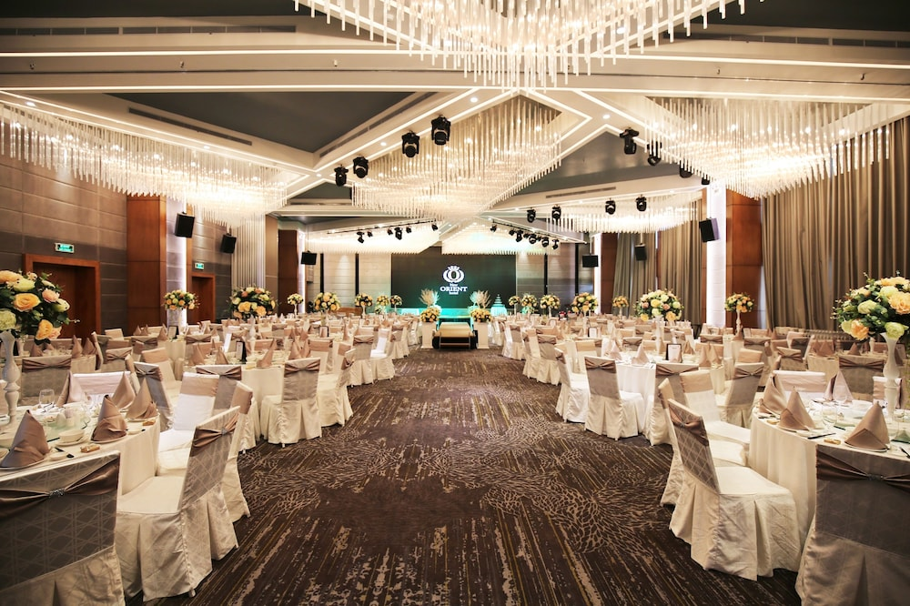 Indoor Wedding, New Orient Hotel Danang