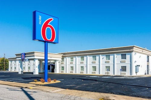 Great Place to stay Motel 6 Fort Lee Petersburg, VA near Petersburg