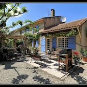 Le Mas-sleeps 8, 4bdrm, 4bathrm Self-catering Farmhouse in the Heart of Provence