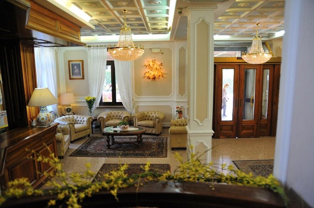 Hotel Savona (Montecatini Terme, Italia)   Expedia.it