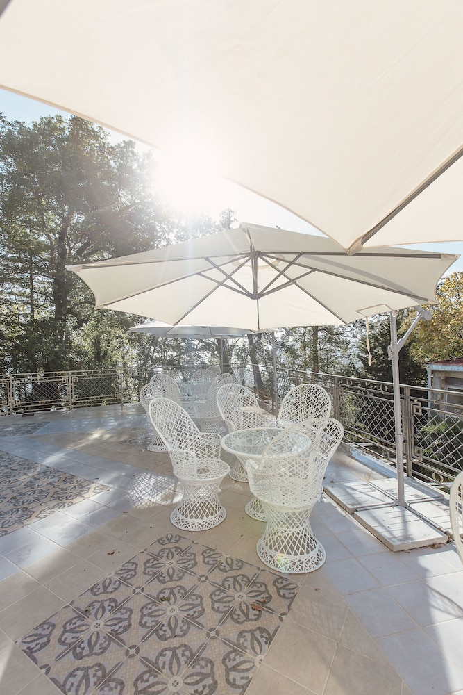 Outdoor Dining, Villa Polianna