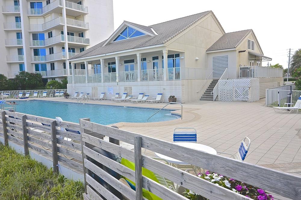 Beach Yacht Club Perdido Outdoor Pool