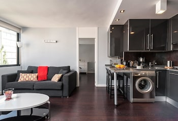 Roomspace Plaza Castilla Apartments