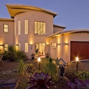 RNZAF Base Auckland Accommodation: NZ$79 Hotels Near RNZAF