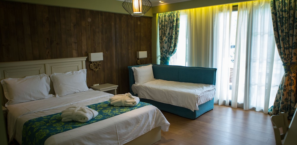 Room, Irenes Resort