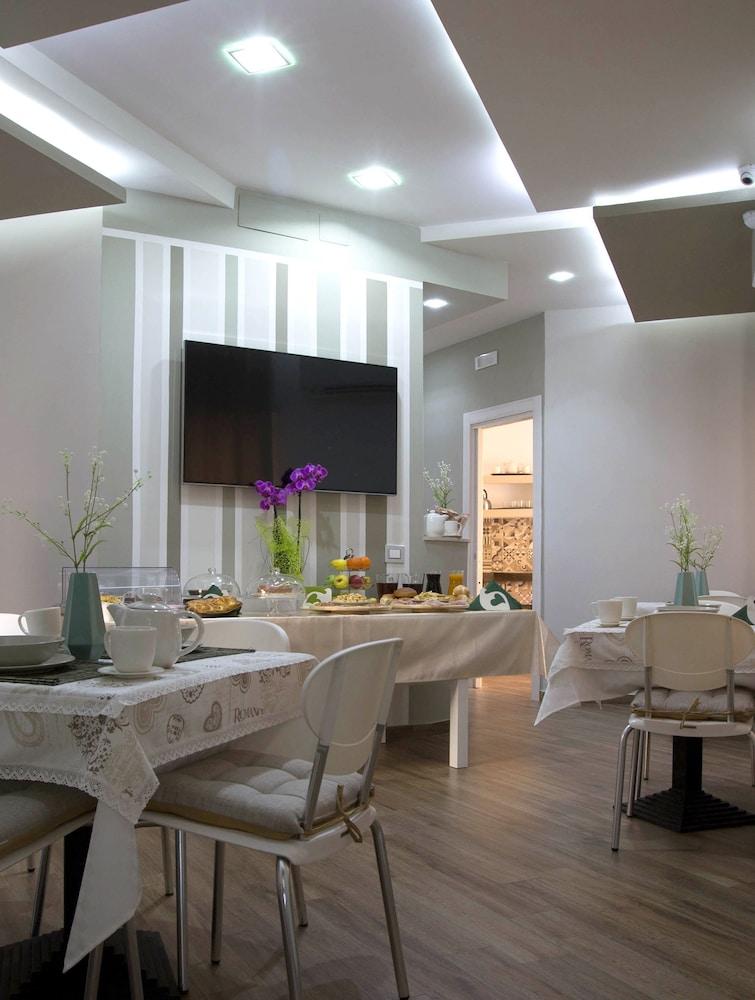 360 Hospitality (Salerno, Italia) | Expedia.it