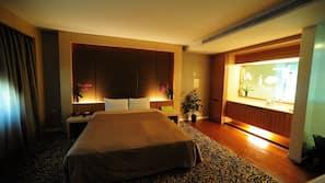 Ropa de cama de alta calidad, escritorio, wifi gratis y ropa de cama
