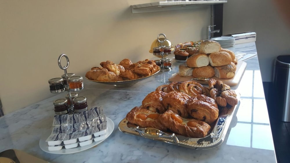 Breakfast buffet, Museum Hotel Oxford
