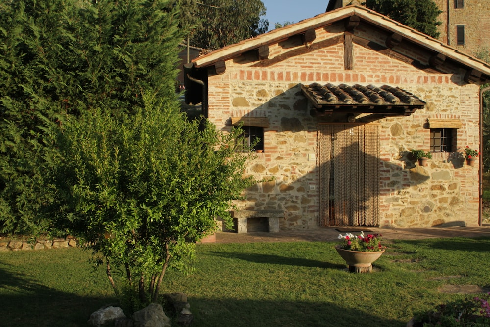 Front of Property, Le Terre di Giano
