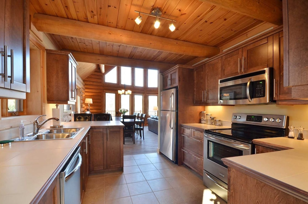 Private Kitchen, Chalet Serenite