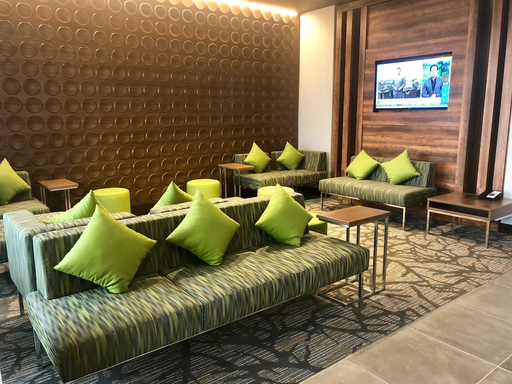 Lobby, Wingate by Wyndham Kamloops