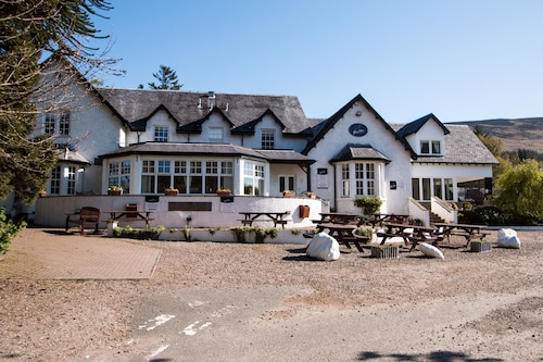 Glen Clova Hotel and Lodges