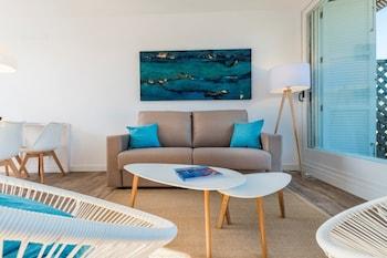 Apartamentos Playa de Canutells