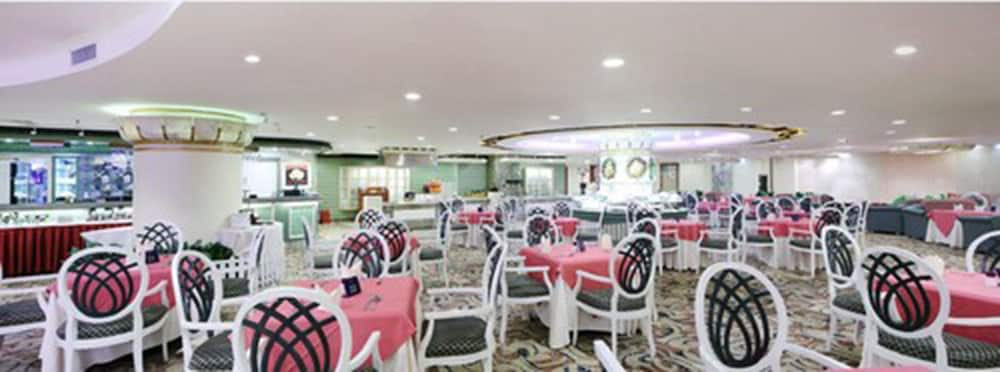 Restaurant, Richmond Hotel