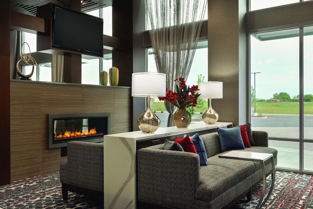 Lobby Sitting Area, Embassy Suites by Hilton Noblesville Indianapolis Convention Center