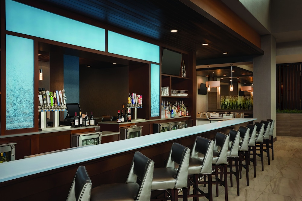 Food and Drink, Embassy Suites by Hilton Noblesville Indianapolis Convention Center