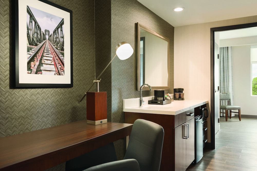 Private Kitchenette, Embassy Suites by Hilton Noblesville Indianapolis Convention Center