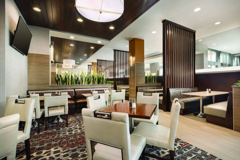 Restaurant, Embassy Suites by Hilton Noblesville Indianapolis Convention Center