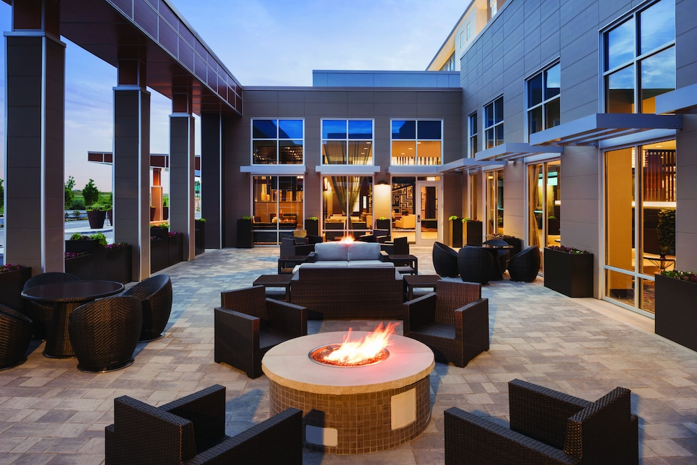 Courtyard, Embassy Suites by Hilton Noblesville Indianapolis Convention Center