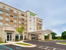 Holiday Inn Hotel & Suites Farmington Hills - Detroit NW, an IHG Hotel