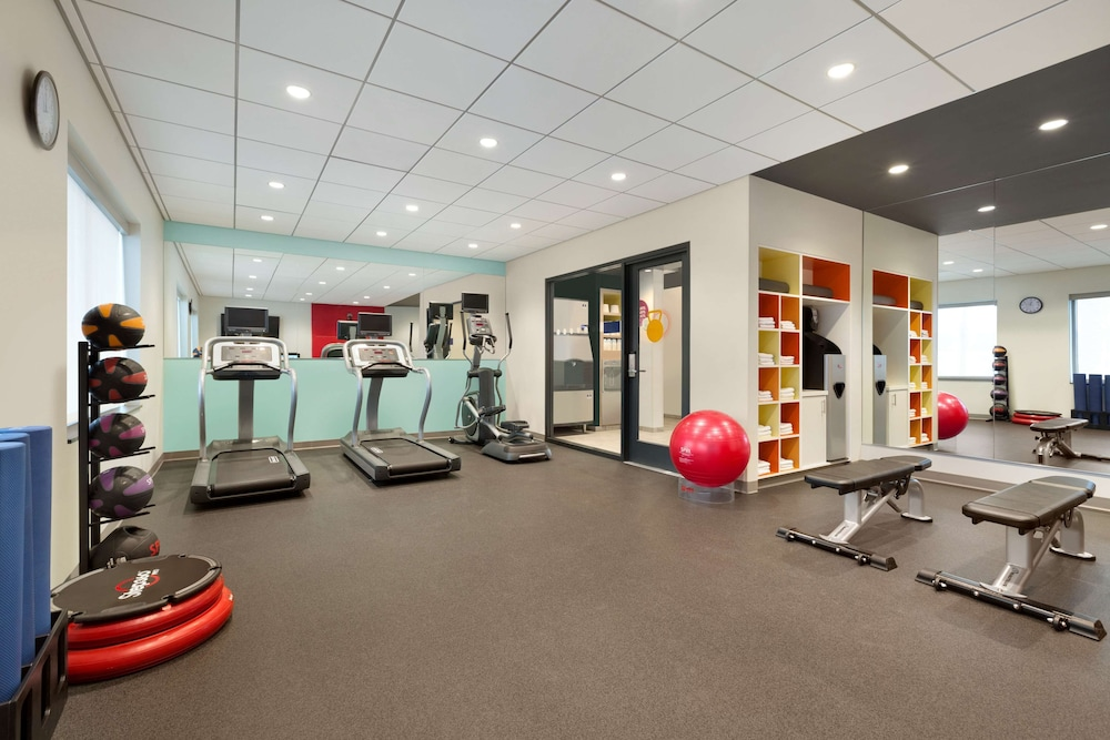 Fitness Facility, Tru by Hilton Las Vegas Airport, NV
