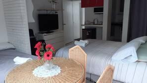 Edredons de pluma, camas Select Comfort, frigobar