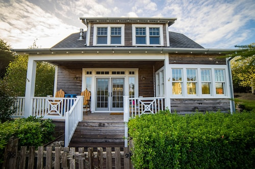Check Expedia for Availability of Come Escape to Beach Walk Cottage at the Old Stump at Seabrook