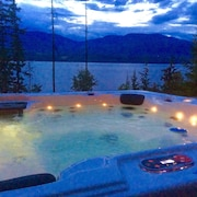 Eagle's Nest - Semi-lakefront Retreat With Hot Tub!
