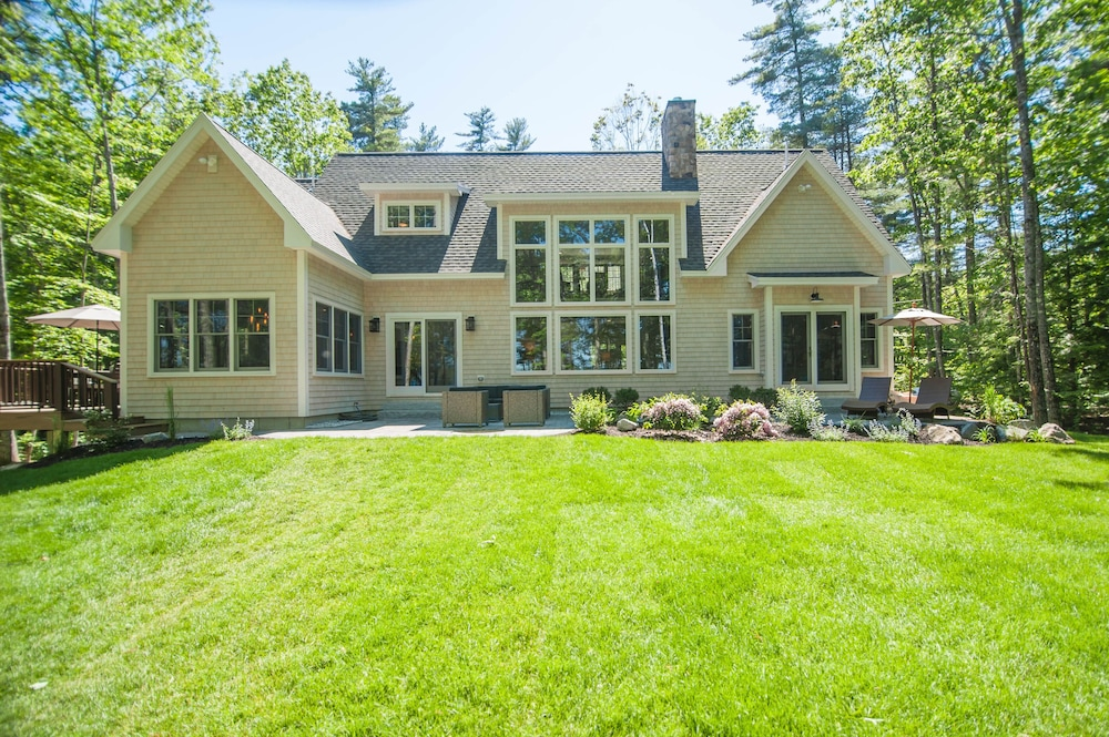 Raymond Retreat Brand New Luxury Lake House on Panther Pond in ...