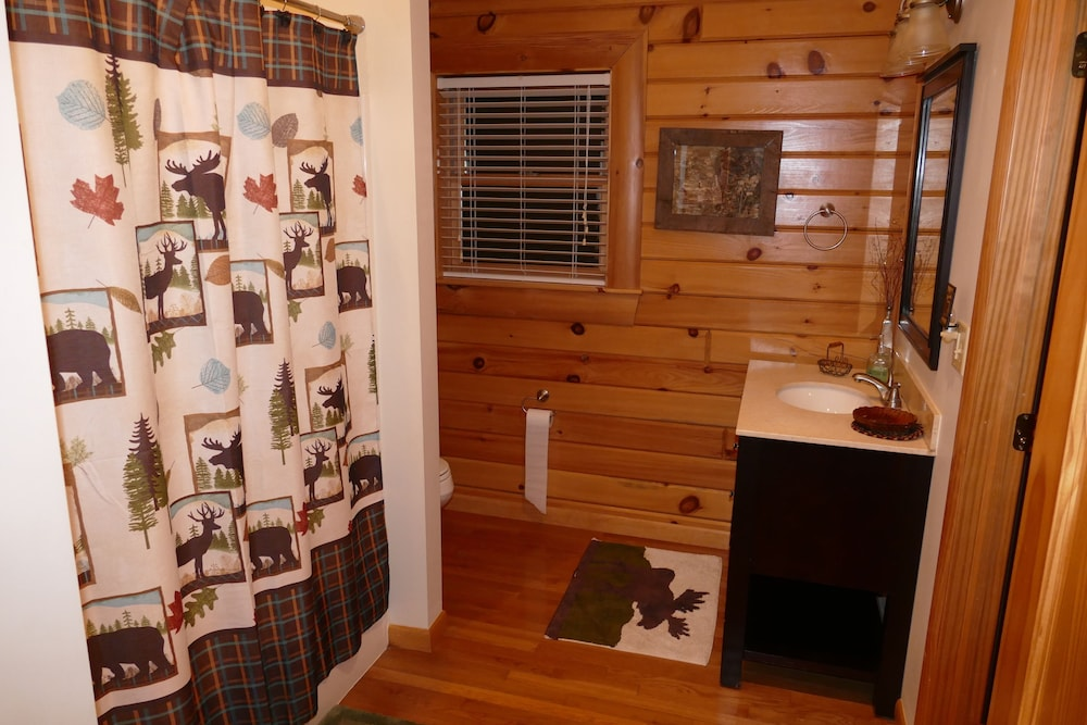 Room, Kendall Retreat - 3BR Log Cabin Central to Deep Creek Lake and Nemacolin Resorts